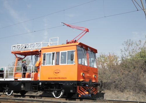 The overhead line maintenance rail car, the latest innovative product of RELOC